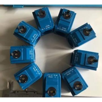 Vickers PV063R1K1A4NFPD+PGP511A0070CA1 Piston Pump PV Series